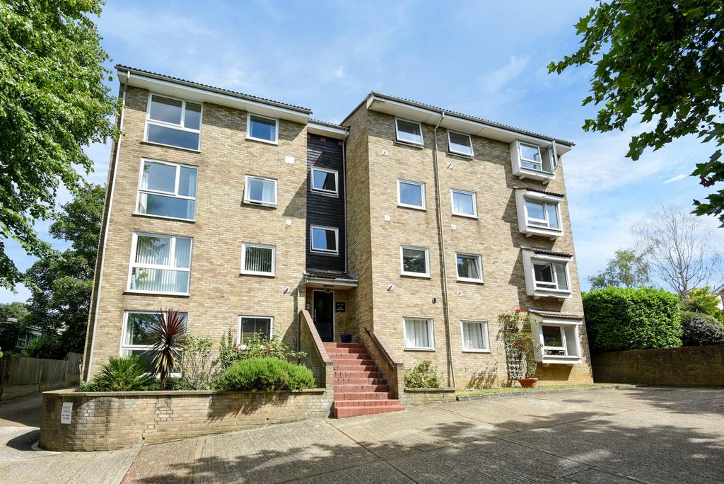 2 Bedrooms Flat for sale in The Heights Foxgrove Road BR3