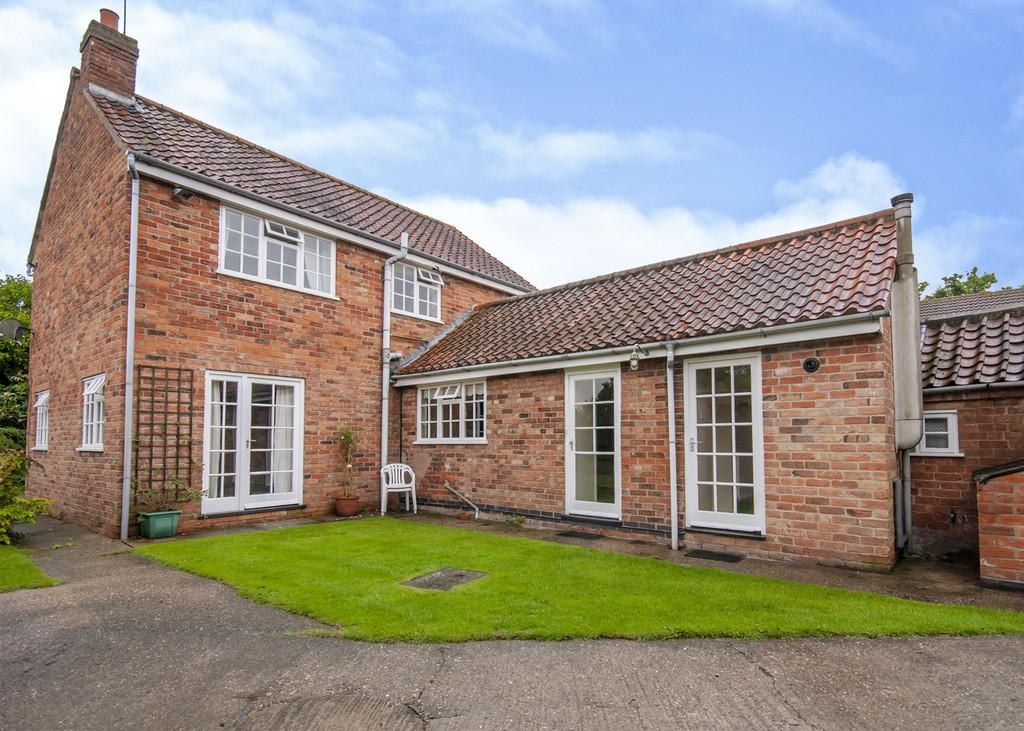 3 Bedrooms Cottage House for sale in Top Street, North Wheatley, Retford