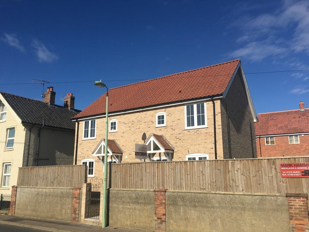 2 Bedrooms Semi Detached House for sale in Framlingham, Suffolk