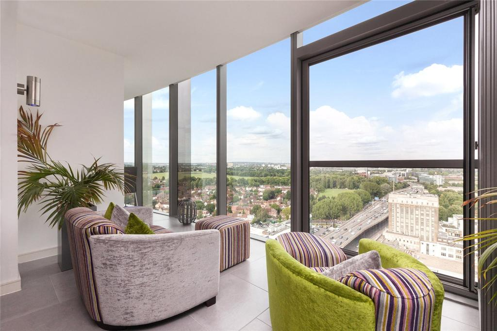 2 Bedrooms Flat for sale in Kew Eye Apartments, Ealing Road, Brentford, Middlesex