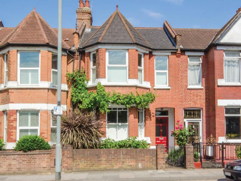 3 Bedrooms Terraced House for sale in Perth Road, N22