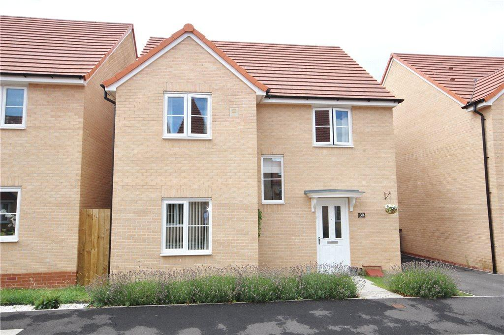 4 Bedrooms Detached House for sale in Sentinel Close, Worcester, Worcestershire, WR2