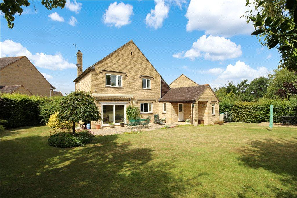3 Bedrooms Detached House for sale in Cotswold Close, Tredington, Shipston-on-Stour, CV36