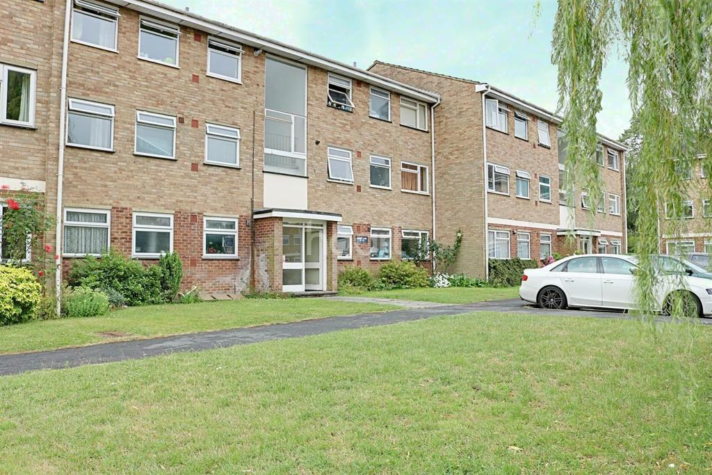 2 Bedrooms Flat for sale in Boxgrove Area, Guildford, Surrey