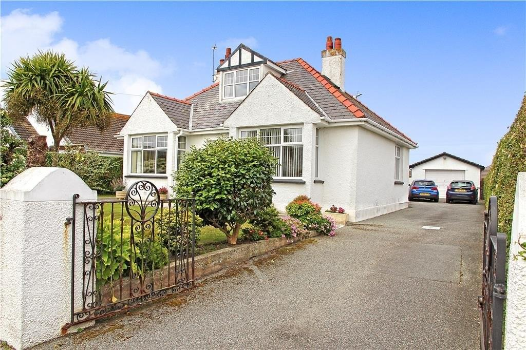 4 Bedrooms Detached Bungalow for sale in Penrallt Road, Trearddur Bay, North Wales