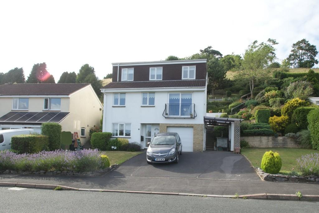 4 Bedrooms Detached House for sale in Blenheim Close | Newton Abbot
