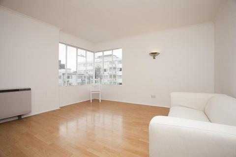 2 bedroom flat to rent - Pullman Court, Streatham, SW2