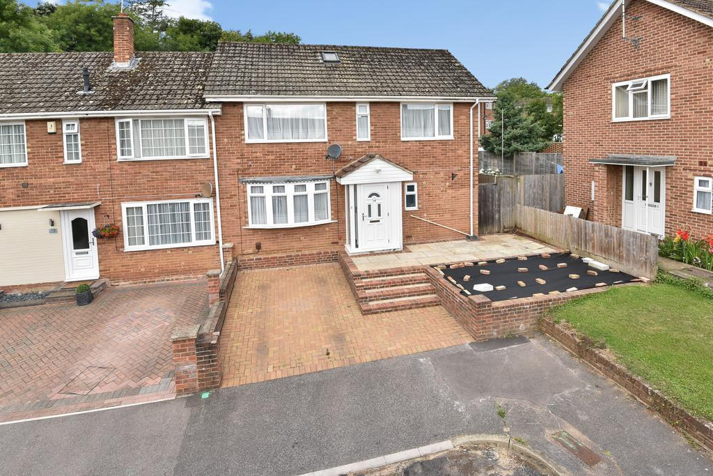 3 Bedrooms End Of Terrace House for sale in Lavender Close, East Malling