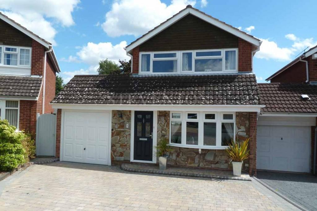 2 Bedrooms Link Detached House for sale in Tyrley Close, Compton, Wolverhampton