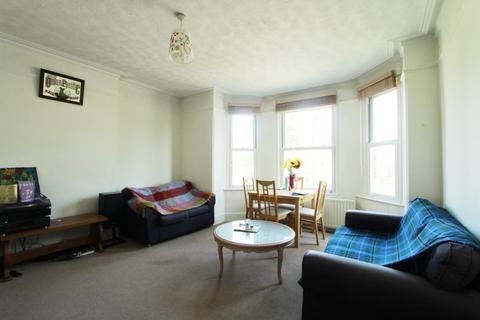 3 bedroom flat to rent - Twyford Avenue, Ealing Common, W3