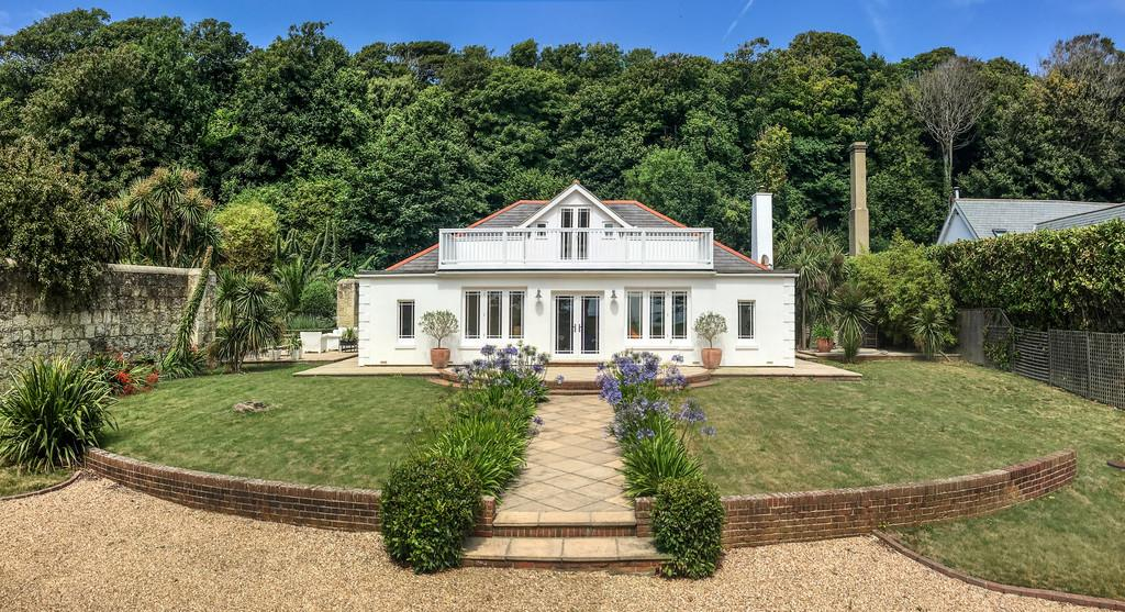 4 Bedrooms Detached House for sale in St Lawrence, Isle of Wight