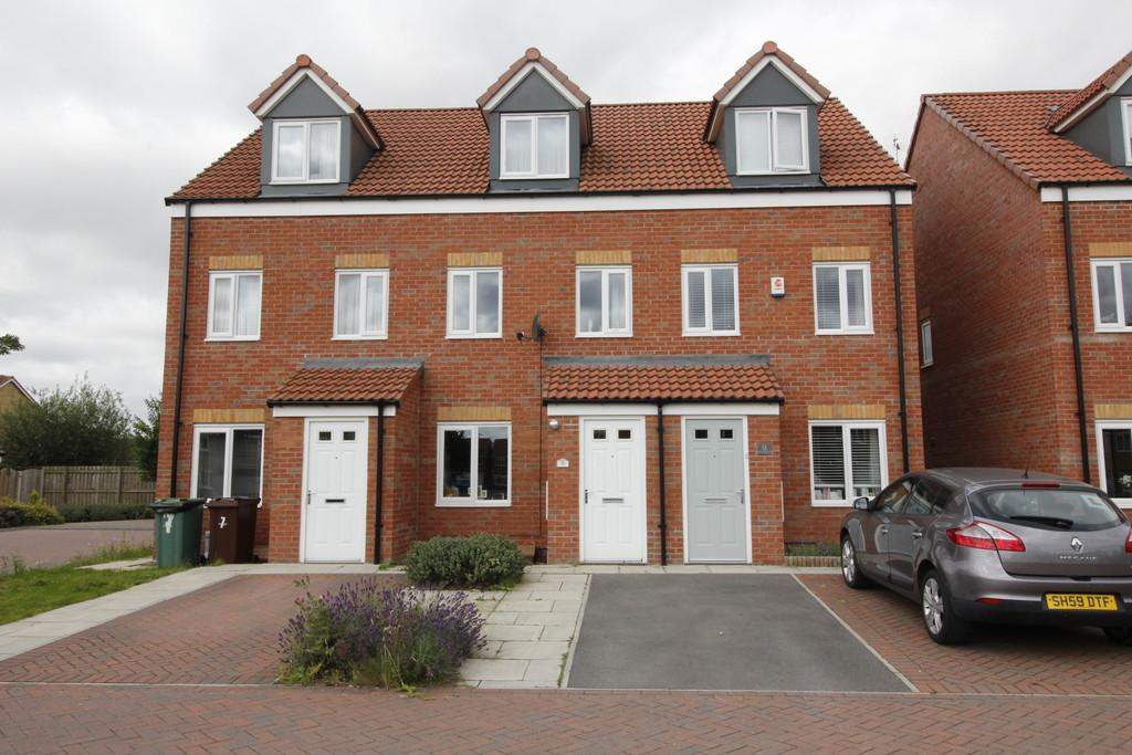 3 Bedrooms Town House for sale in Buttercup Court , South Kirkby