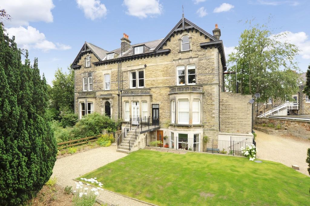 2 Bedrooms Flat for sale in Cold Bath Road, Harrogate