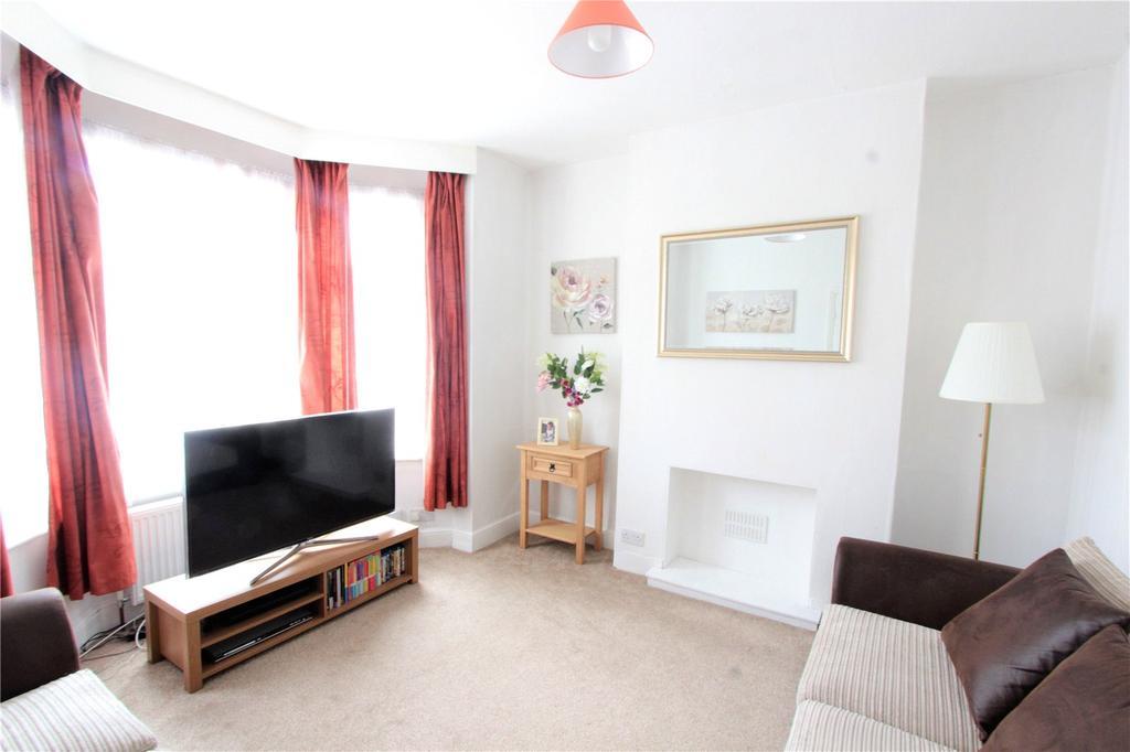 3 Bedrooms Semi Detached House for sale in Sudbury Avenue, Wembley, HA0