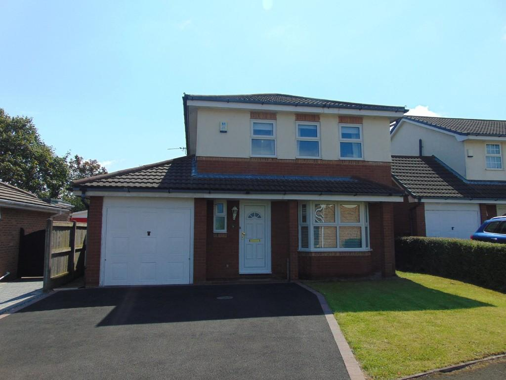 4 Bedrooms Detached House for sale in Kinnerton Close, Moreton