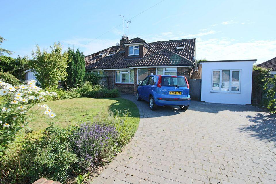4 Bedrooms Semi Detached House for sale in Dale Avenue, Keymer, Hassocks, West Sussex, BN6 8LP