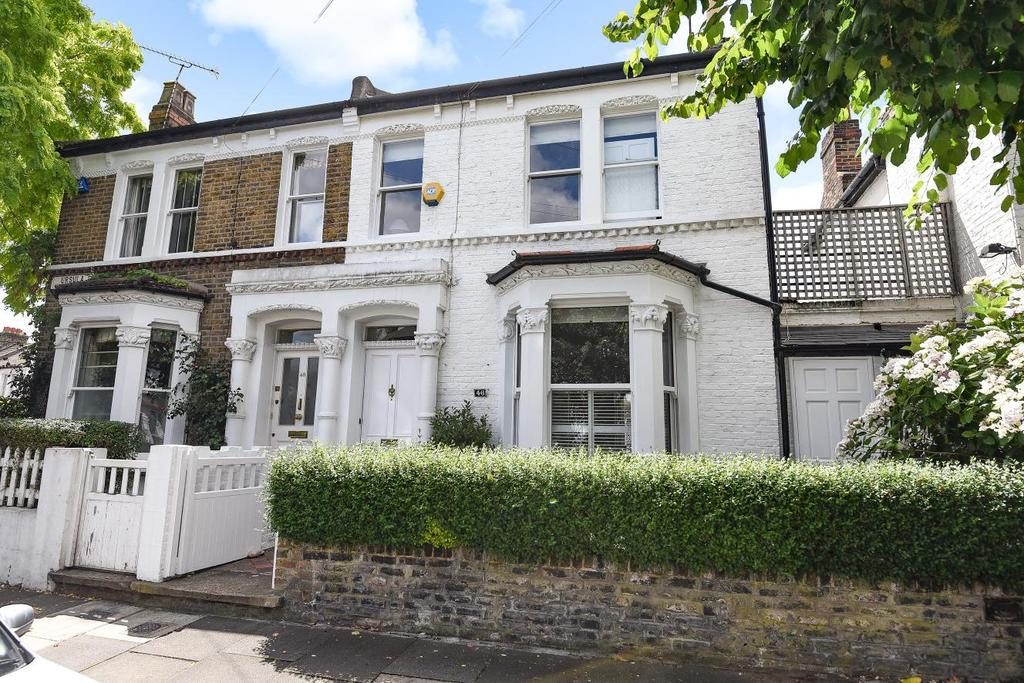 3 Bedrooms Semi Detached House for sale in Ursula Street, Battersea