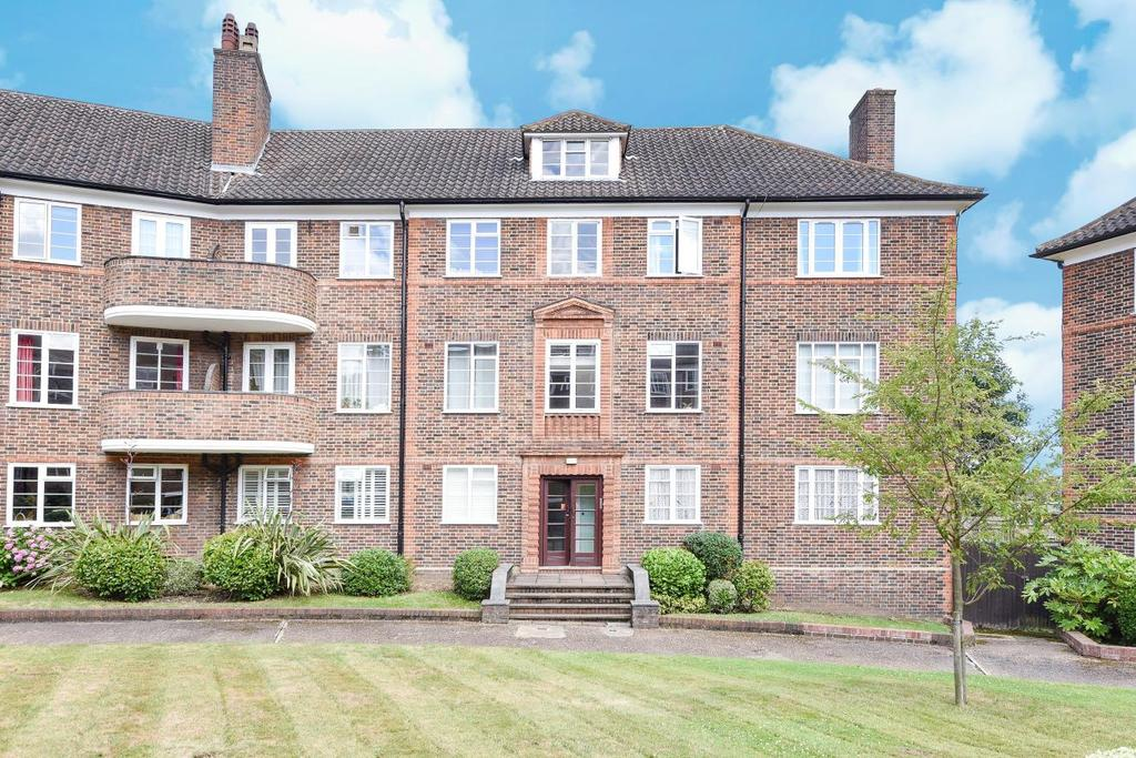 2 Bedrooms Flat for sale in Limes Gardens, Southfields