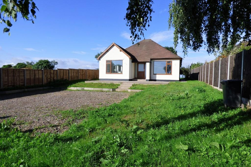 4 Bedrooms Detached Bungalow for sale in Woodland Road, Stanton