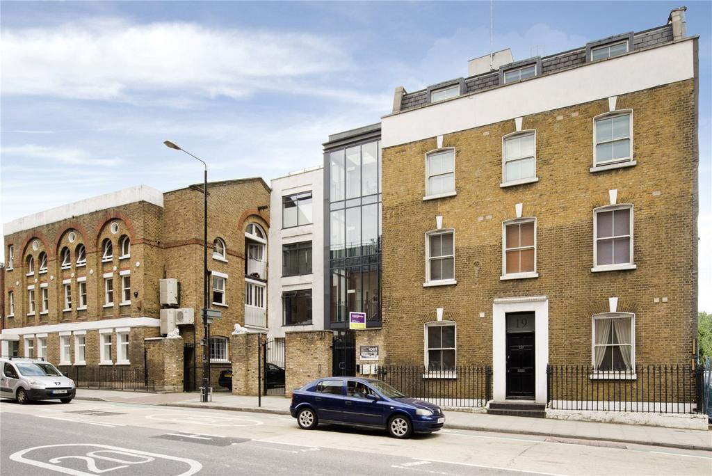 Studio Flat for sale in Dock Street, E1