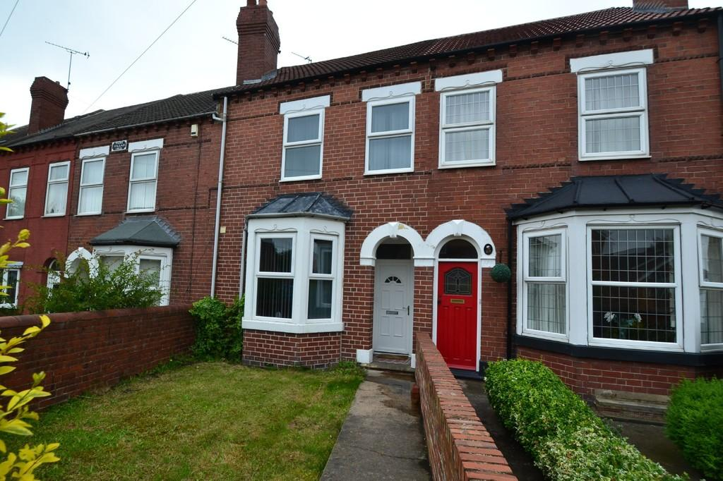 3 Bedrooms Terraced House for sale in Doncaster Road, South Elmsall, Pontefract