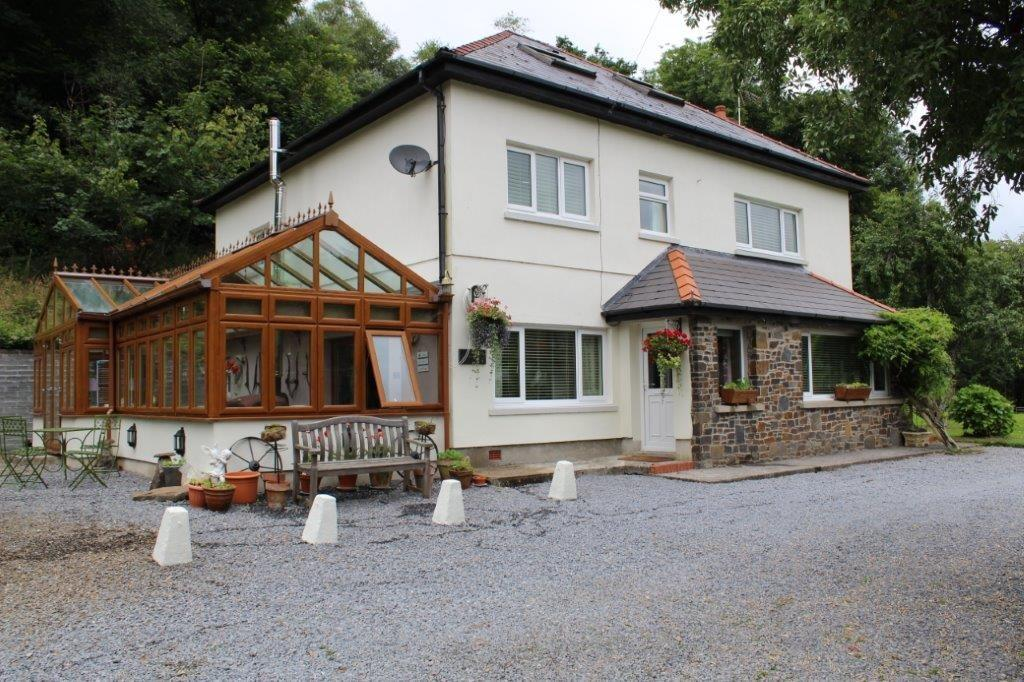 6 Bedrooms Detached House for sale in The Woodlands