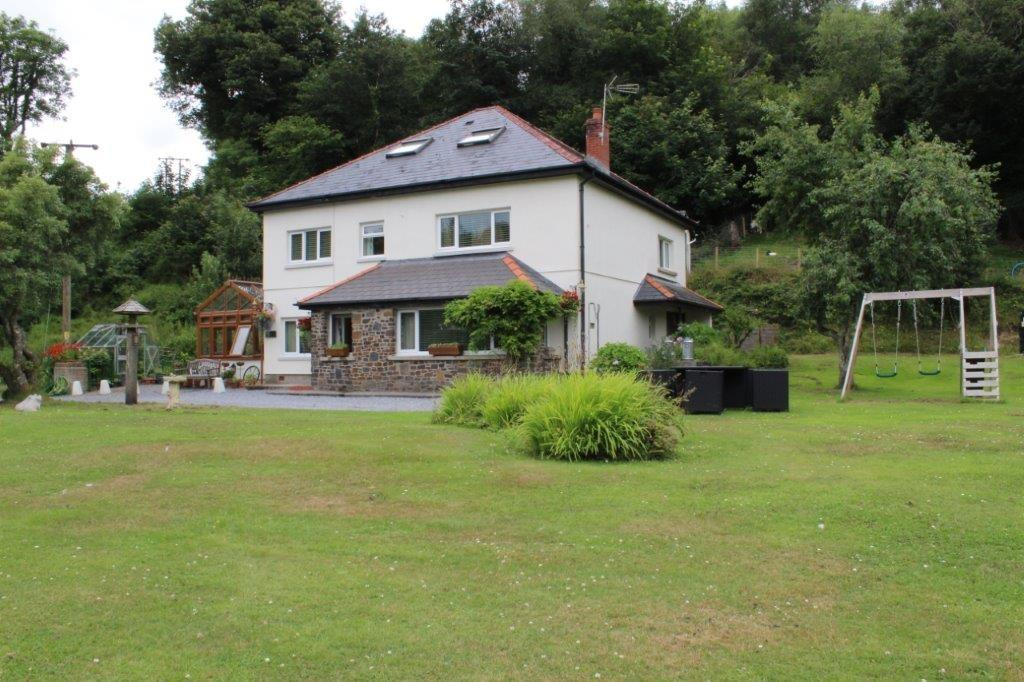 6 Bedrooms Detached House for sale in Stepaside, Nr Narberth