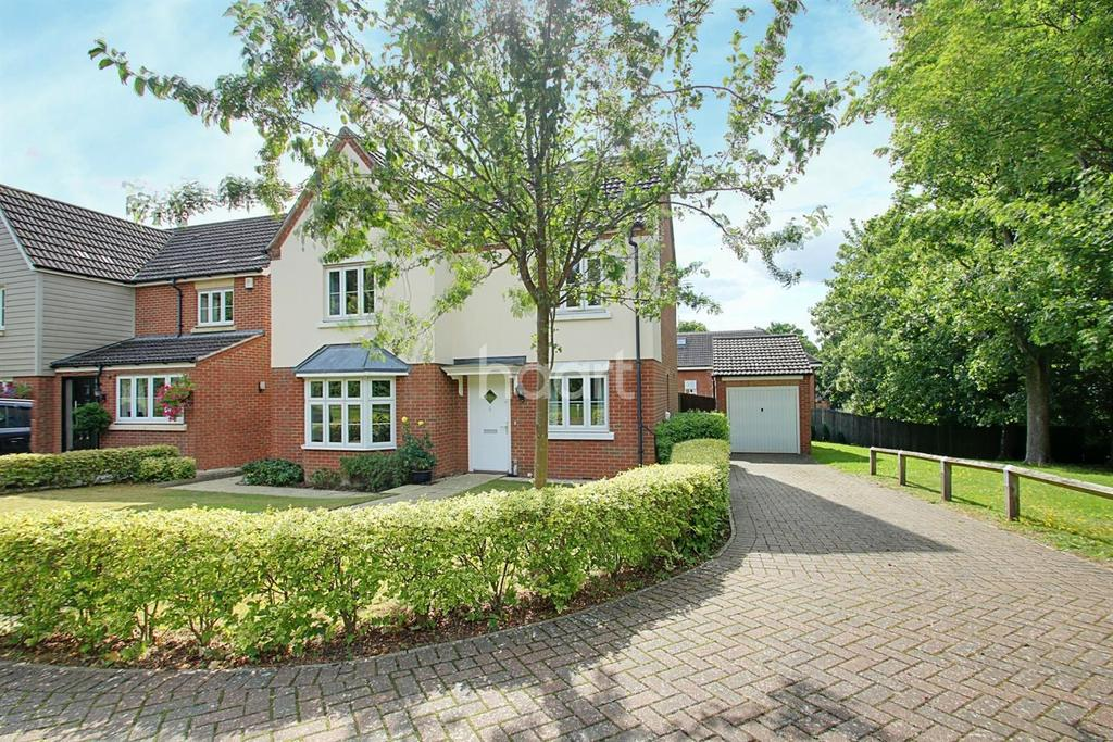 4 Bedrooms Detached House for sale in Mortimer Drive, Biggin Hill