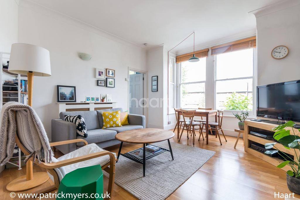 1 Bedroom Flat for sale in Barry Road, East Dulwich, London, SE22