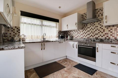 3 bedroom semi-detached house for sale - Tye Lane, Farnborough Village