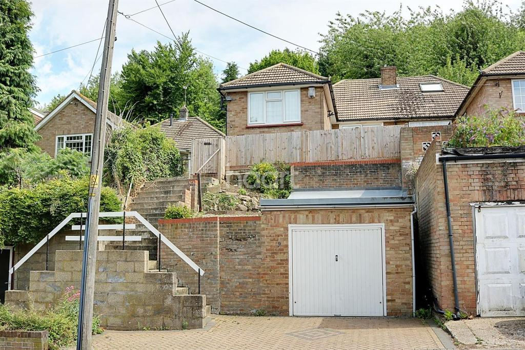 3 Bedrooms Bungalow for sale in Boxley Road, Walderslade