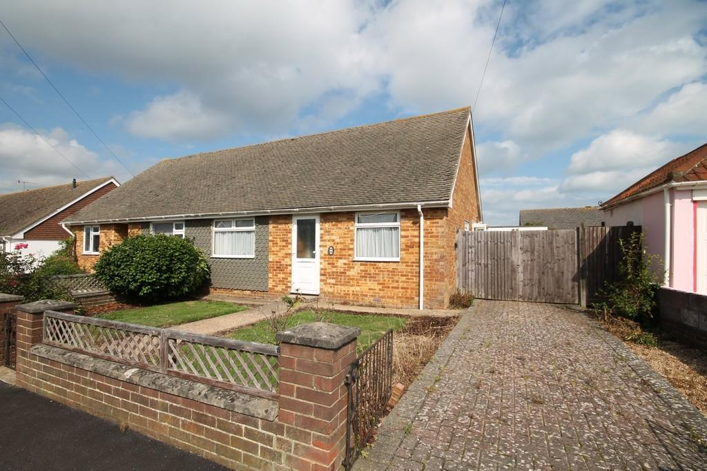 2 Bedrooms Semi Detached Bungalow for sale in Kings Close, Lancing, BN15 8DB