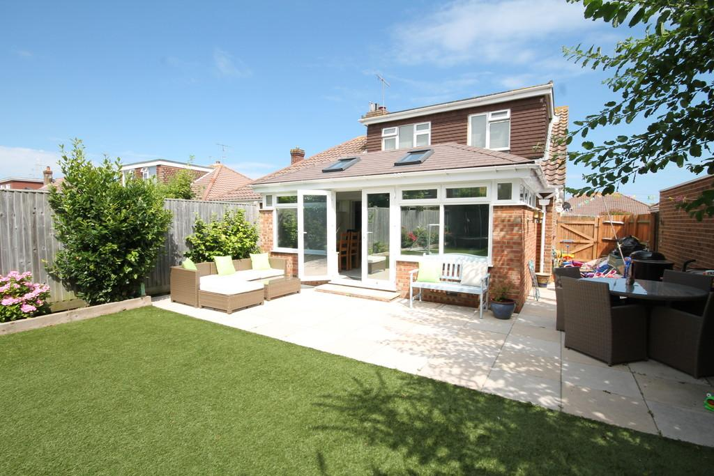 4 Bedrooms Semi Detached House for sale in Crown Road, Shoreham-by-Sea, BN43 6GB