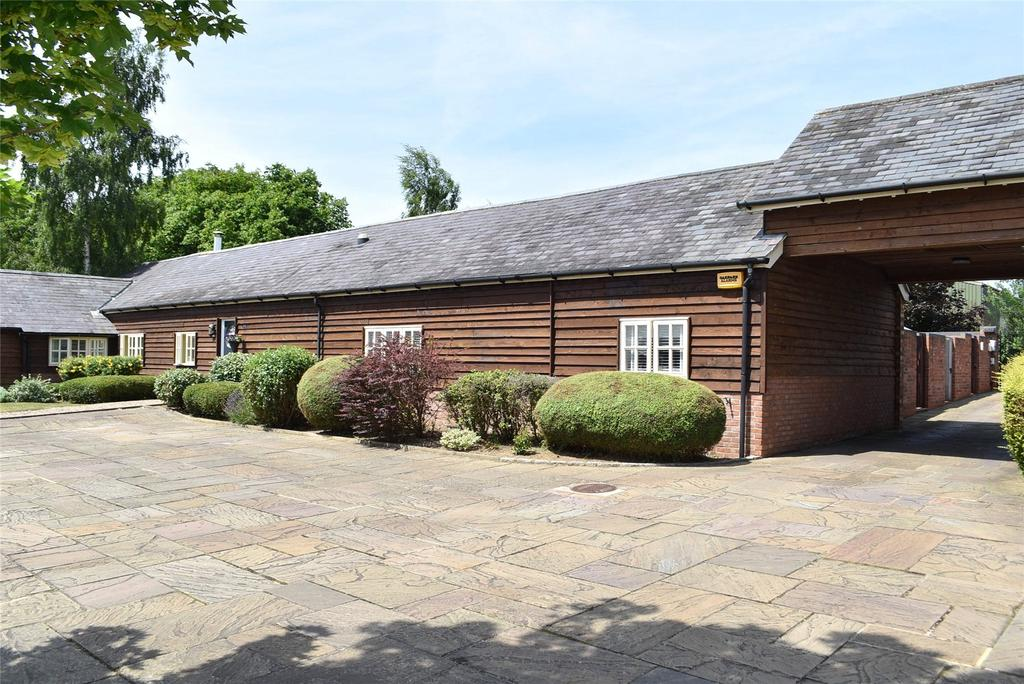 3 Bedrooms Barn Conversion Character Property for sale in Manor Farm, Shucklow Hill