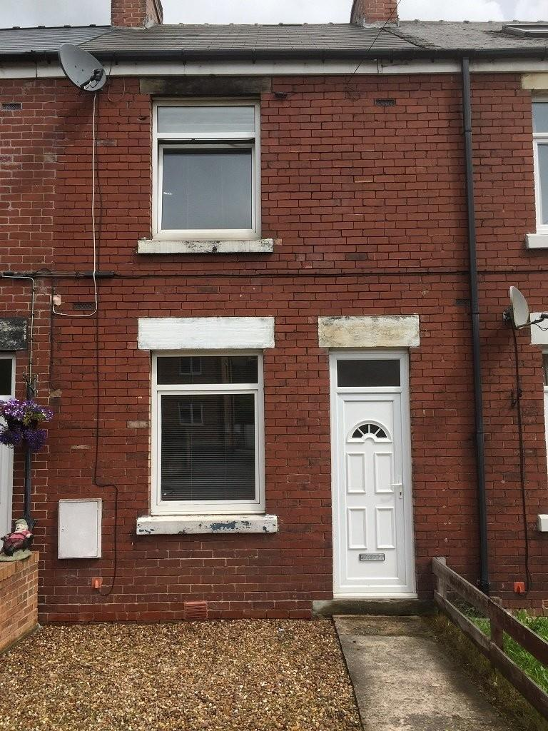2 Bedrooms Terraced House for sale in Manchester Road, Stocksbridge