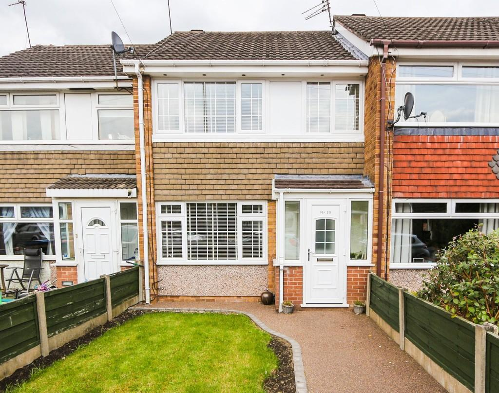 3 Bedrooms Terraced House for sale in 18 Farnham Drive, Irlam, Manchester