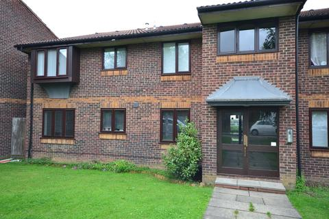 1 bedroom flat for sale - Campion Court, Grays, RM17