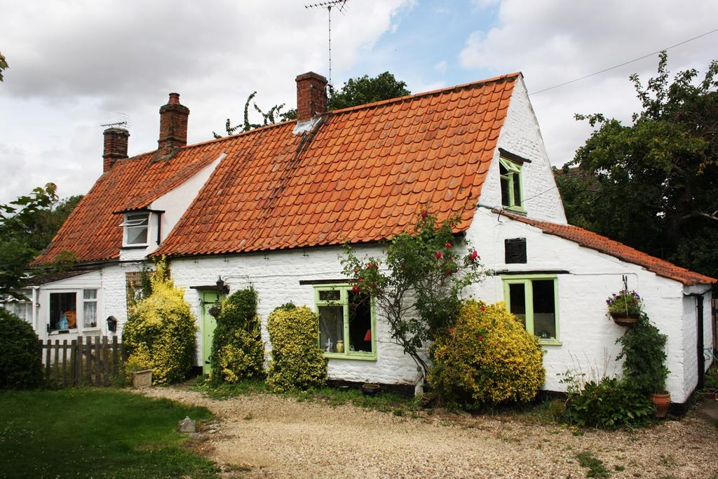 2 Bedrooms Cottage House for sale in Haconby Lane, Morton, Bourne, PE10