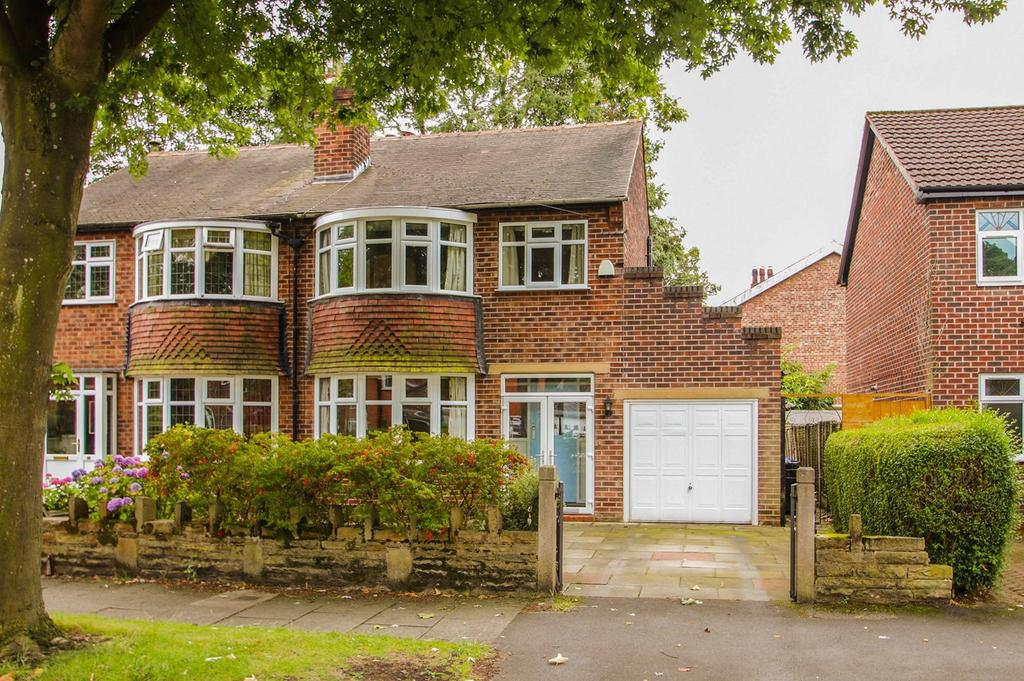 3 Bedrooms Semi Detached House for sale in Winchester Road, Urmston, Manchester, M41
