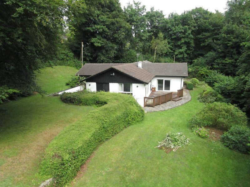3 Bedrooms Detached Bungalow for sale in Bluebell Wood, St Hilary, Nr Cowbridge, CF71 7DP