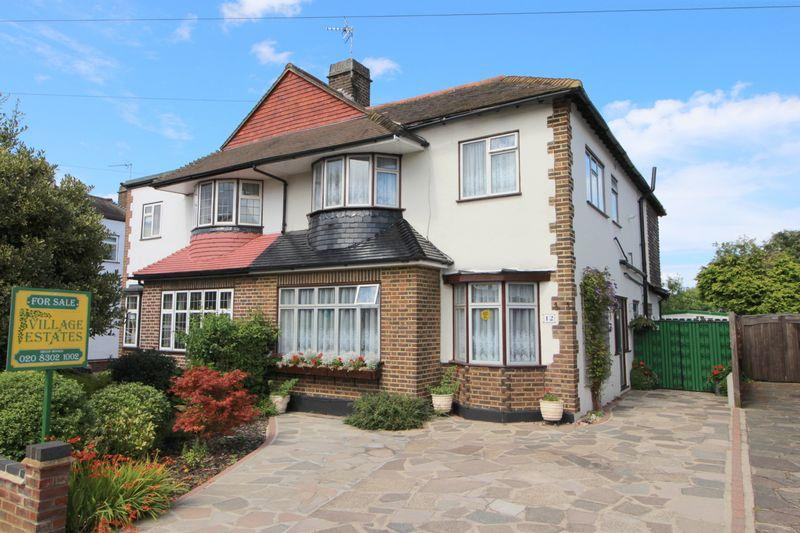 5 Bedrooms Semi Detached House for sale in DULVERTON ROAD, New Eltham, SE9 3RH