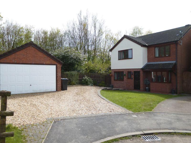 4 Bedrooms Detached House for sale in Redruth Close, Nuneaton