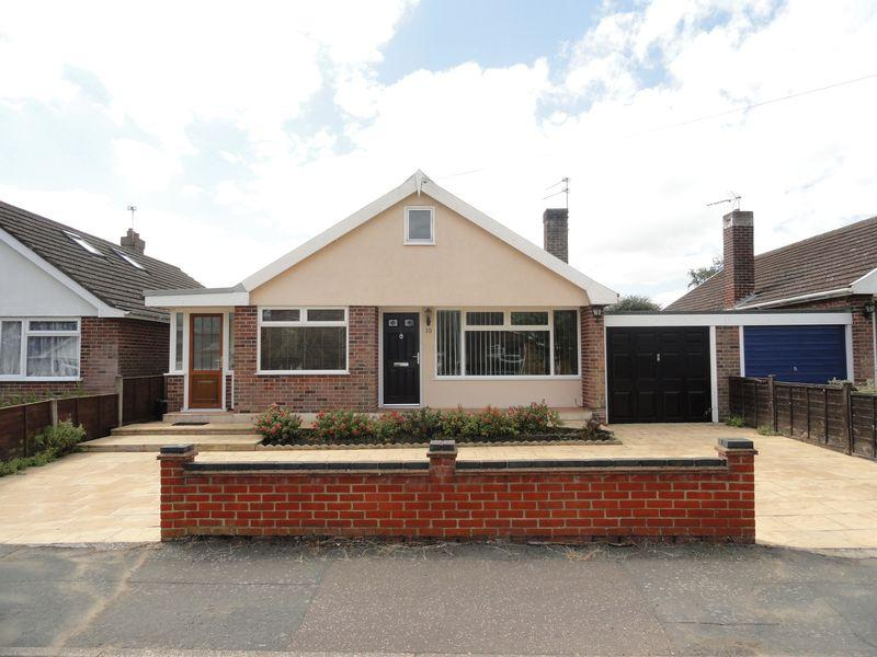 3 Bedrooms Detached Bungalow for sale in Lacey Road, Taverham, Norwich