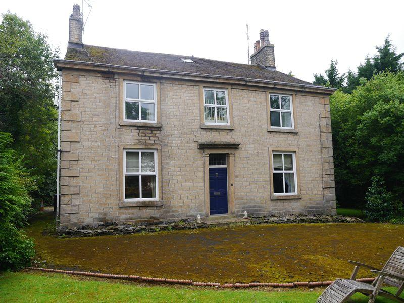 5 Bedrooms Detached House for sale in Moor End House, Union Road, Oswaldtwistle.