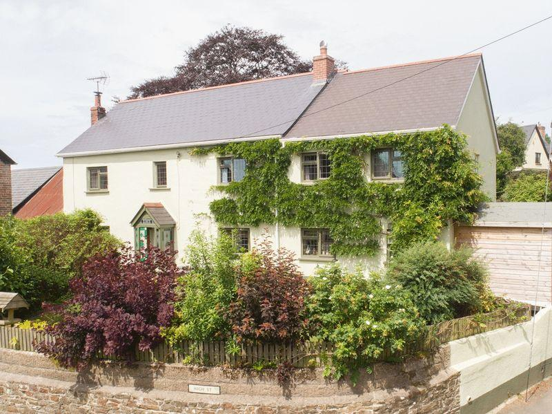 5 Bedrooms Detached House for sale in High Street, Winkleigh