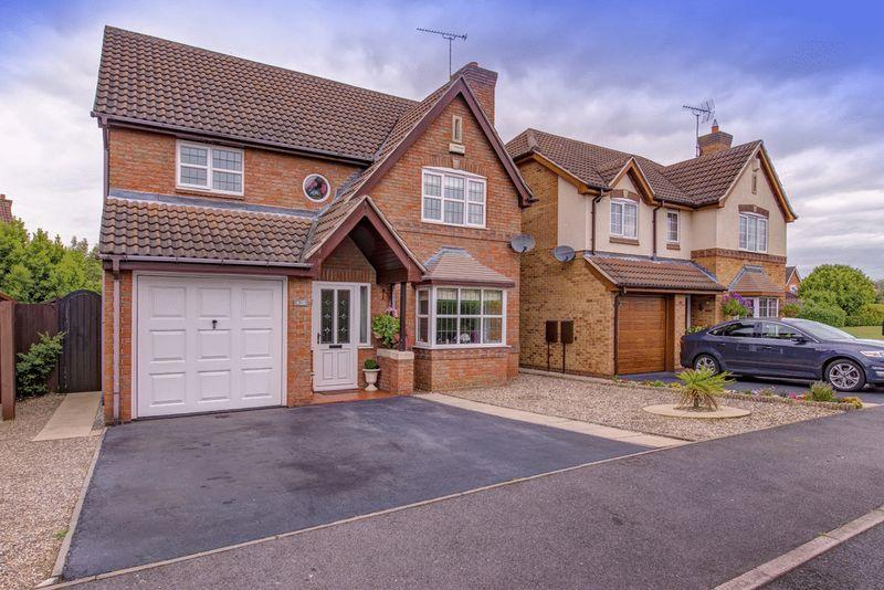 4 Bedrooms Detached House for sale in The Lees, Derby