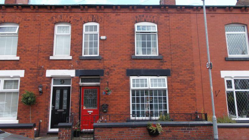 3 Bedrooms Terraced House for sale in Sparth Road, Manchester