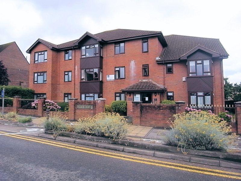 2 Bedrooms Retirement Property for sale in Guildford
