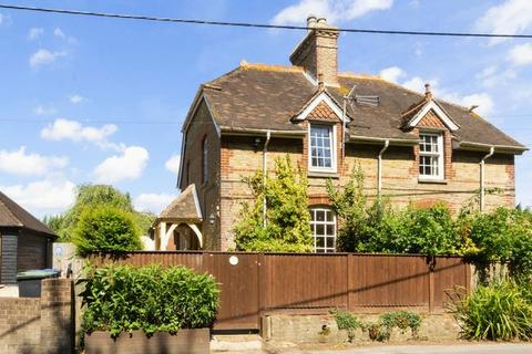 2 bedroom semi-detached house for sale - Dairy Farm Cottages, Street End