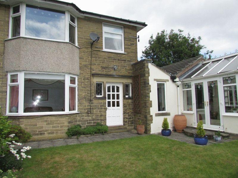3 Bedrooms Semi Detached House for sale in Midgley Road, Mytholmroyd, Hebden Bridge